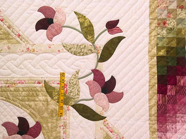 Moss Rose and Ivory Rainbow Reflections Quilt Photo 4