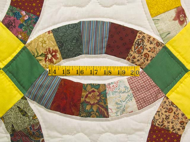 Yellow Green and Multicolor Double Wedding Ring Quilt Photo 5