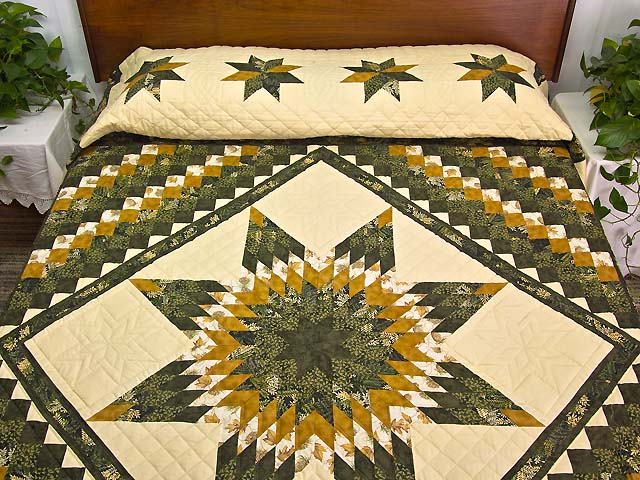 Dark Green and Gold Lone Star Trip Quilt Photo 1