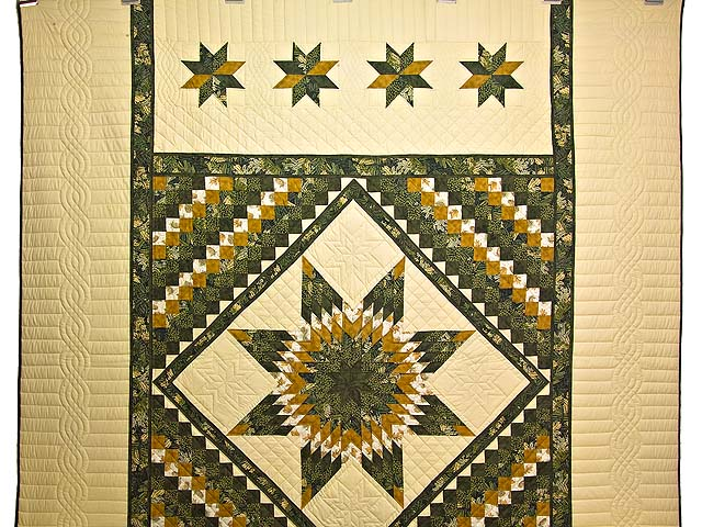 Dark Green and Gold Lone Star Trip Quilt Photo 2