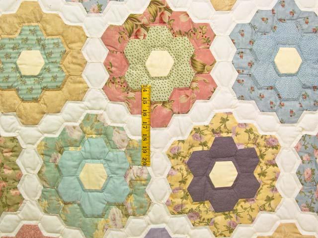 Twin Antique Colors Flower Garden Photo 4