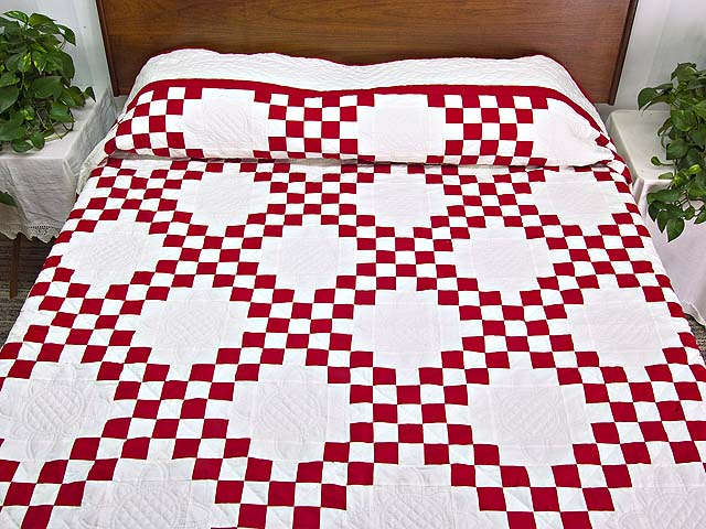 Red and White Double Irish Chain Quilt Photo 1