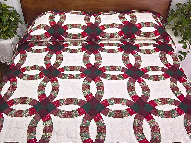 Burgundy and Green Double Wedding Ring Quilt Photo 1