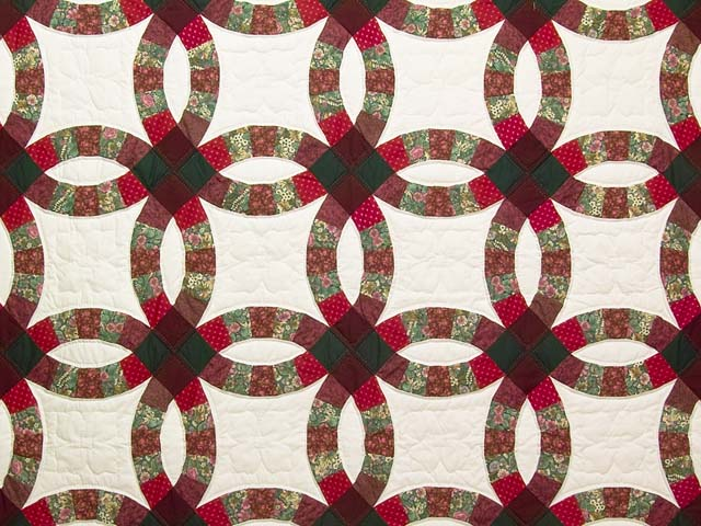 Burgundy and Green Double Wedding Ring Quilt Photo 3
