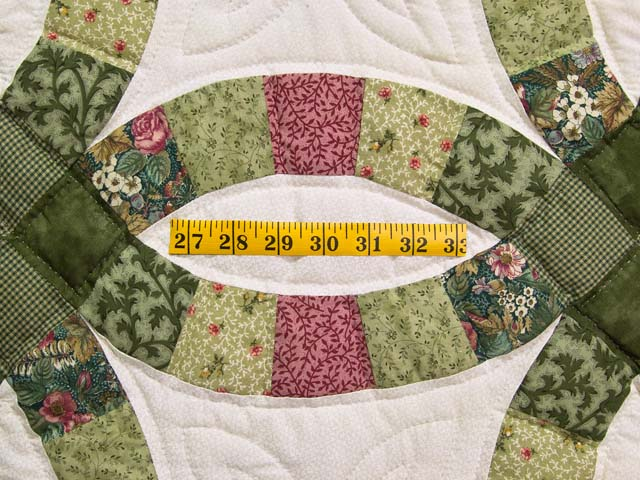 Green and Rose Double Wedding Ring Quilt Photo 5