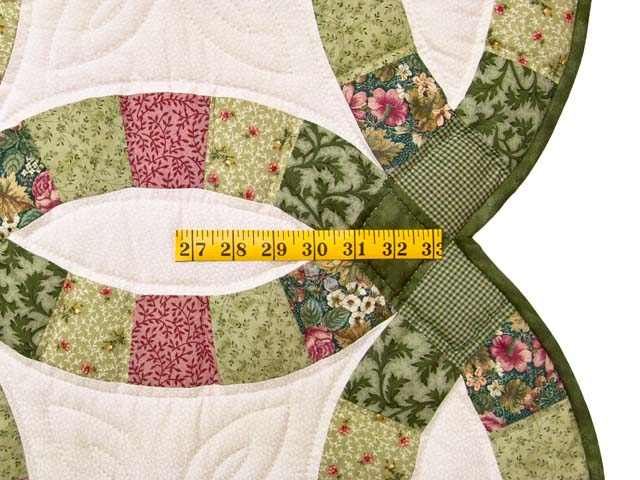 Green and Rose Double Wedding Ring Quilt Photo 7