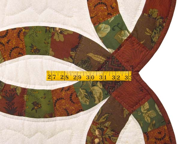 Brick Red and Moss Green Double Wedding Ring Quilt Photo 7