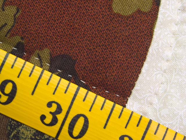 Brick Red and Moss Green Double Wedding Ring Quilt Photo 8