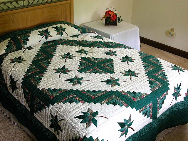 Green Cabin Splendor Quilt Photo 1
