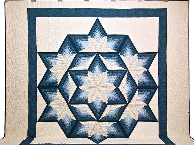 King Blue and Cream Diamond Star Log Cabin Quilt Photo 2