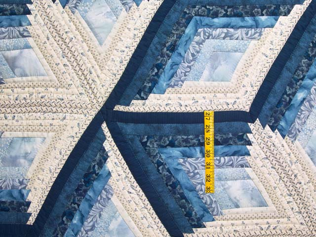 King Blue and Cream Diamond Star Log Cabin Quilt Photo 4
