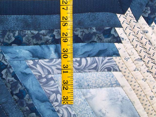King Blue and Cream Diamond Star Log Cabin Quilt Photo 5