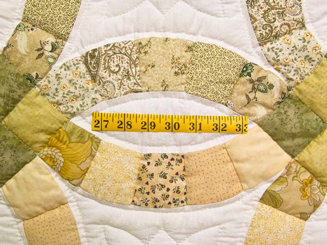 Moss and Golden Tan Double Wedding Ring Quilt Photo 5
