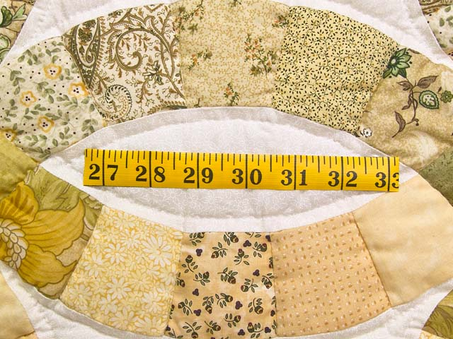 Moss and Golden Tan Double Wedding Ring Quilt Photo 6