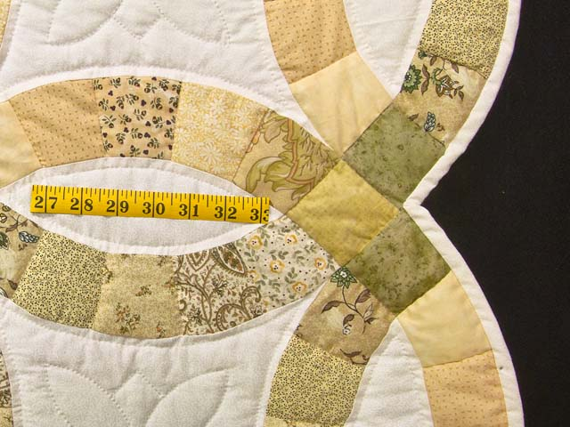 Moss and Golden Tan Double Wedding Ring Quilt Photo 7