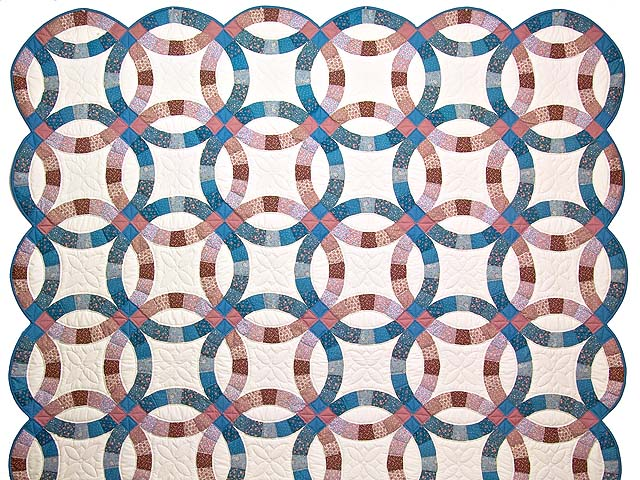 Blue and Rose Double Wedding Ring Quilt Photo 2