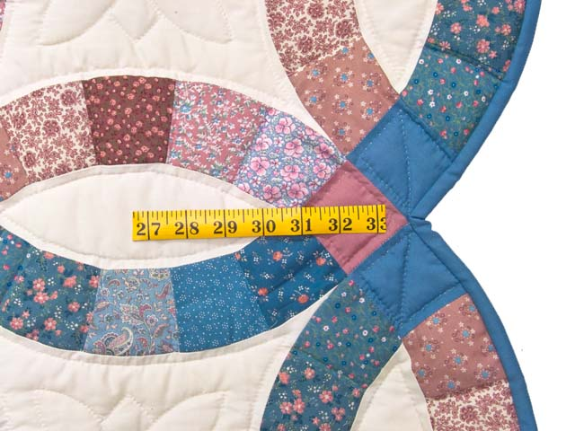 Blue and Rose Double Wedding Ring Quilt Photo 7
