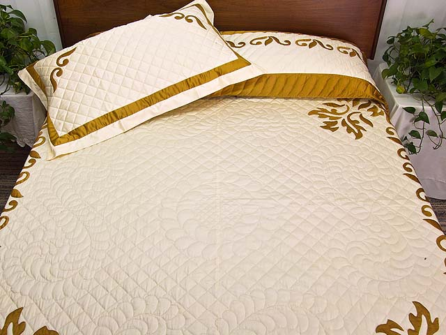 King Burnished Gold Naomi Quilt with Shams Photo 1