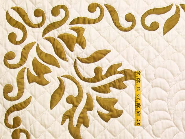 King Burnished Gold Naomi Quilt with Shams Photo 5