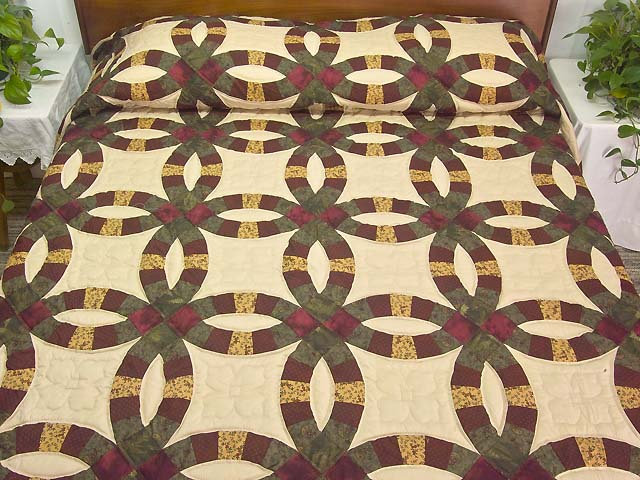 Moss Burgundy and Golden Tan Double Wedding Ring Quilt Photo 1