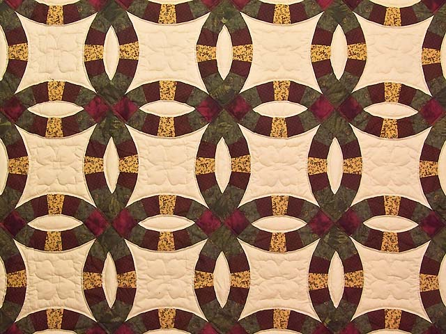 Moss Burgundy and Golden Tan Double Wedding Ring Quilt Photo 3