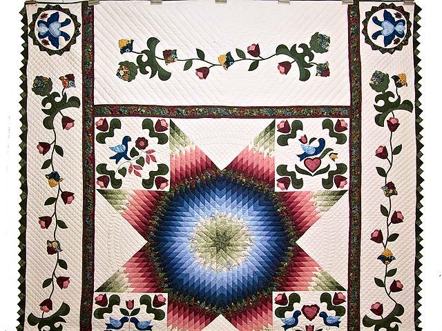 Pennsylvania Dutch Star Quilt Photo 2