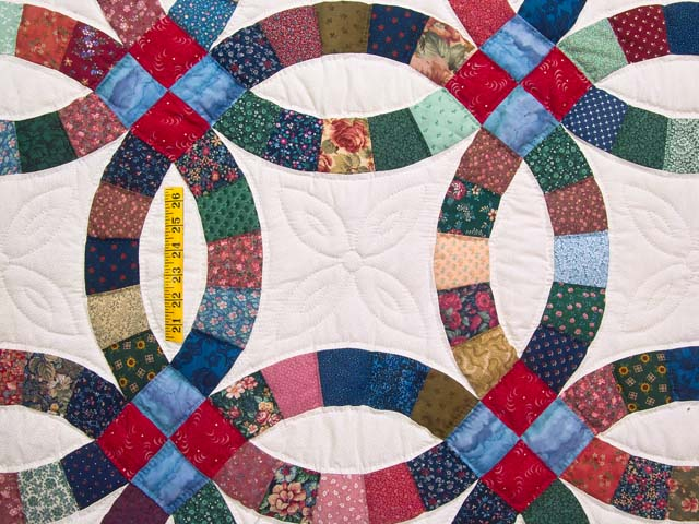 Multicolor Double Wedding Ring Quilt Photo 4