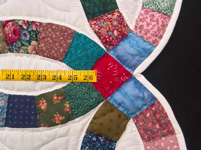 Multicolor Double Wedding Ring Quilt Photo 7