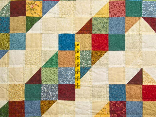 Tan and Multicolor Scrapaholic Quilt Photo 4