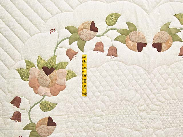 King Peach and Green Heart of Roses Quilt Photo 4