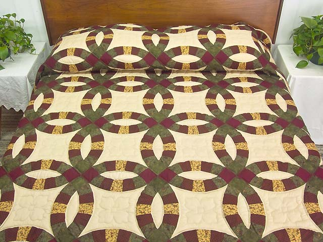 Green Burgundy and Tan Double Wedding Ring Quilt Photo 1
