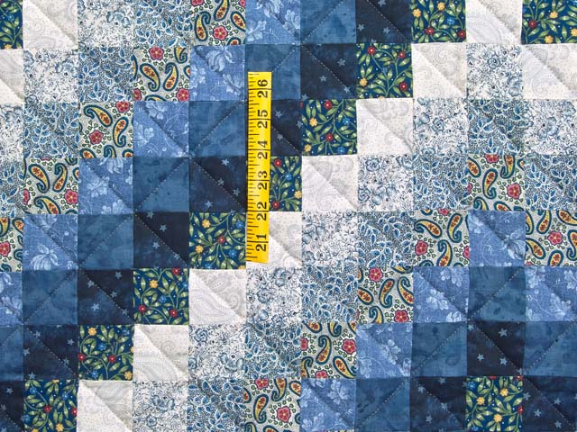 Blue Navy and Cream Trip Around the World Quilt Photo 4