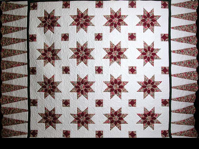 King-size Rose and Green Dahlia Quilt Photo 2