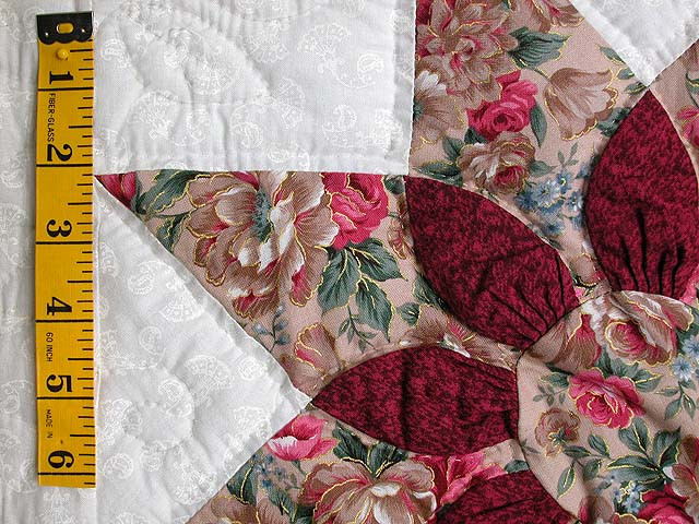 King-size Rose and Green Dahlia Quilt Photo 5