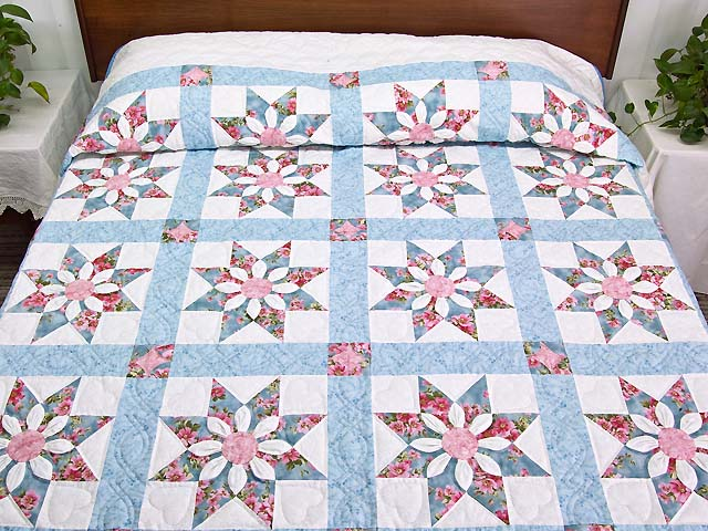 Pastel Blue and Rose Dahlia Star Quilt Photo 1
