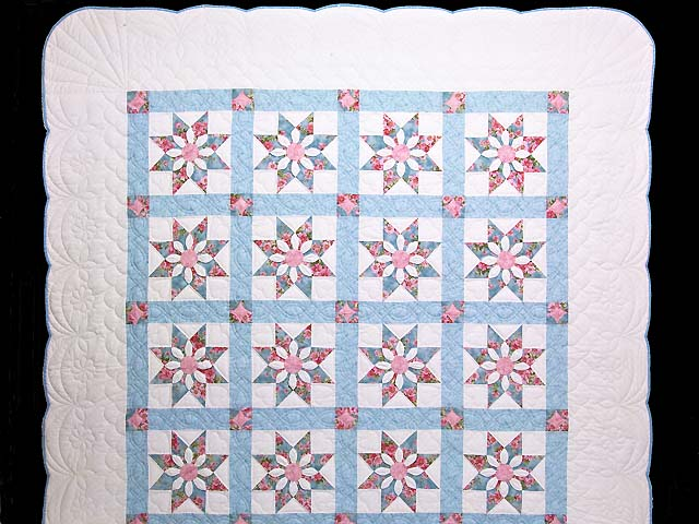 Pastel Blue and Rose Dahlia Star Quilt Photo 2