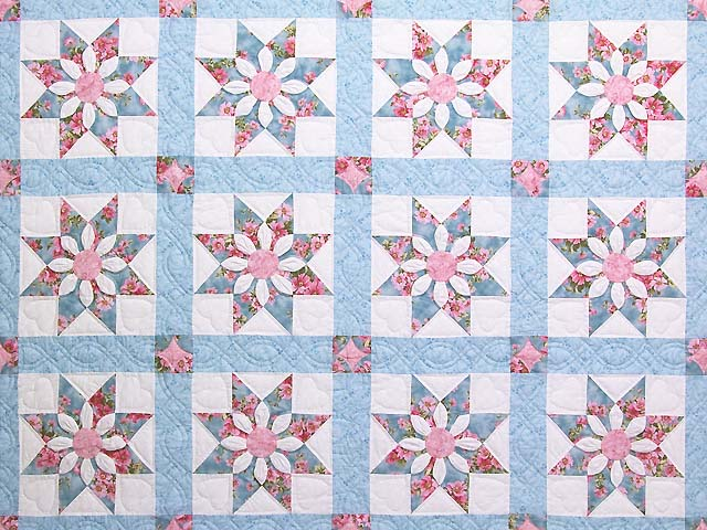 Pastel Blue and Rose Dahlia Star Quilt Photo 3