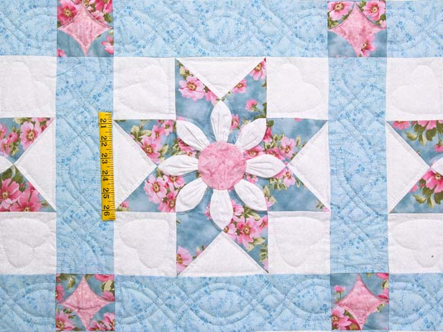 Pastel Blue and Rose Dahlia Star Quilt Photo 4