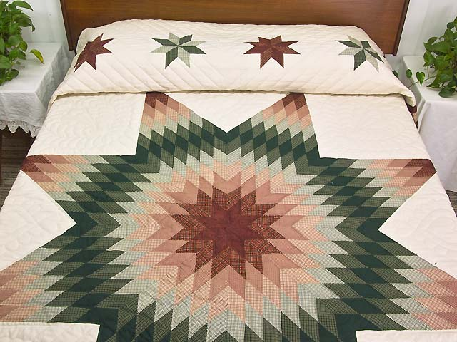 Red and Green Plaid Star of Bethlehem Quilt Photo 1
