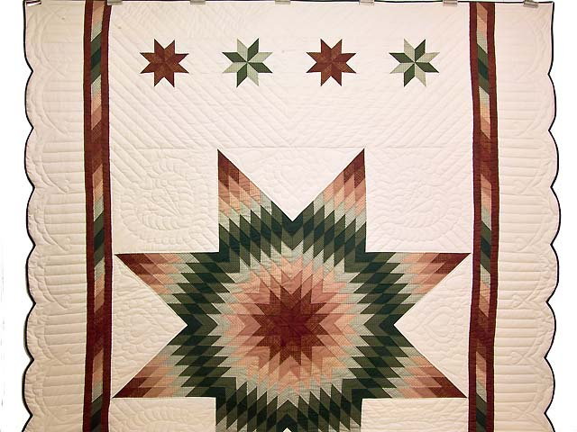 Red and Green Plaid Star of Bethlehem Quilt Photo 2