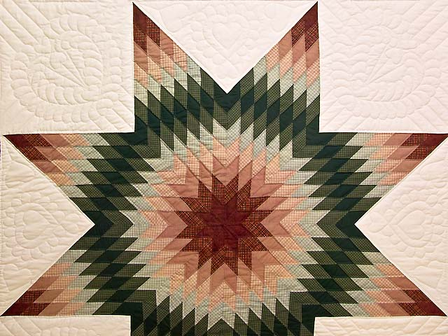 Red and Green Plaid Star of Bethlehem Quilt Photo 3