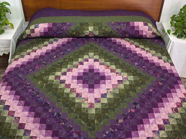 Purple and Green Trip Around the World Quilt Photo 1
