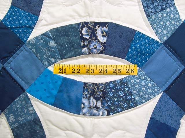 Twin Navy Blue and Cream Double Wedding Ring Quilt Photo 5