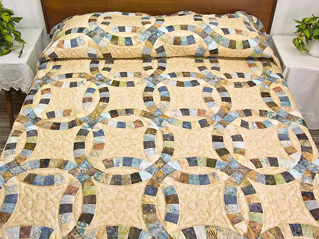King Blues And Tan Hand Painted Double Wedding Ring Quilt Photo 1