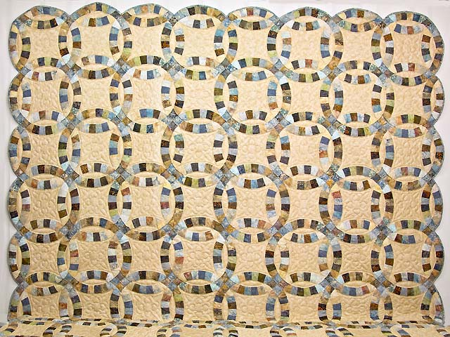 King Blues and Tan Hand Painted Double Wedding Ring Quilt Photo 2