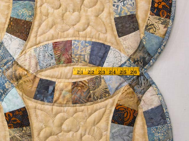 King Blues and Tan Hand Painted Double Wedding Ring Quilt Photo 7