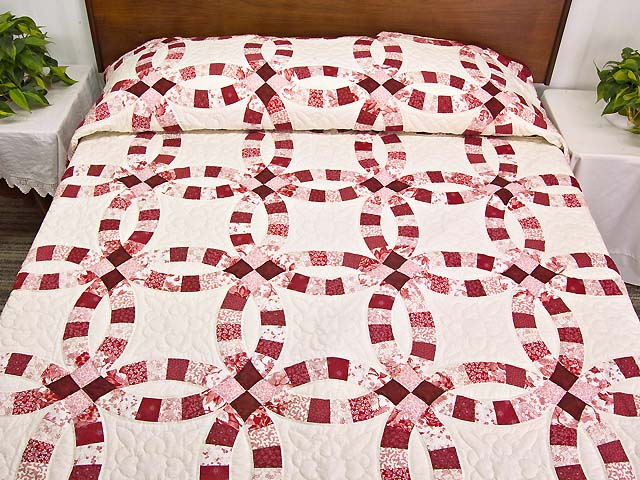 Scarlet and White Double Wedding Ring Quilt Photo 1