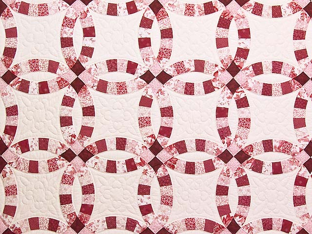 Scarlet and White Double Wedding Ring Quilt Photo 3