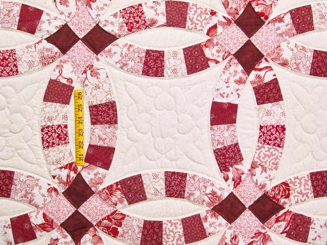 Scarlet and White Double Wedding Ring Quilt Photo 4