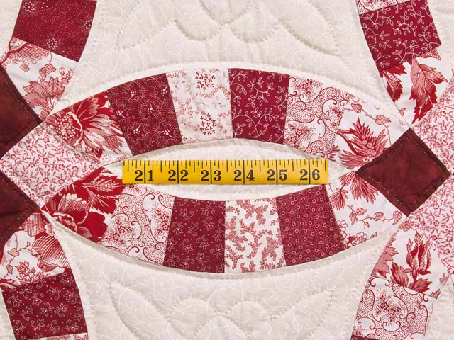 Scarlet and White Double Wedding Ring Quilt Photo 5